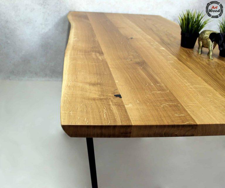 Stół z blatem z drewna